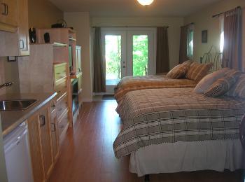 Chalet louer cantons de l 39 est estrie chambre casa kumiko for Chambre a louer sherbrooke
