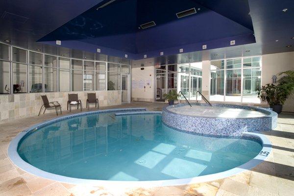 H tel mortagne louer mont r gie montr al photos for Hotel avec piscine interieur montreal