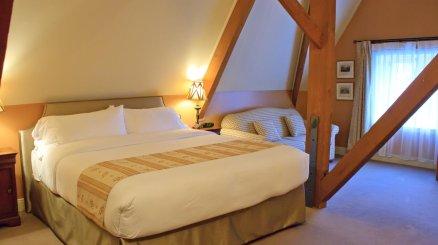Manoir rouville campbell louer mont r gie montr al for Hotel avec piscine interieur montreal