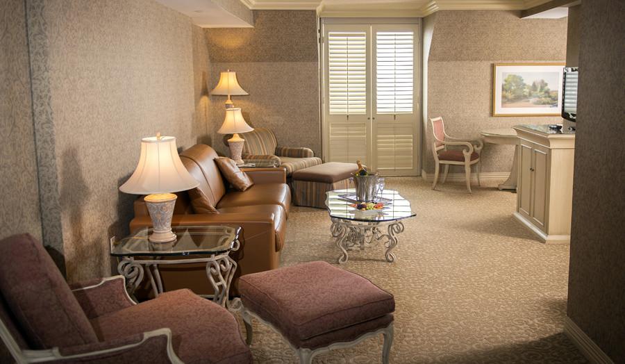 Ch teau vaudreuil suites h tel louer mont r gie for Hotel avec piscine interieur montreal