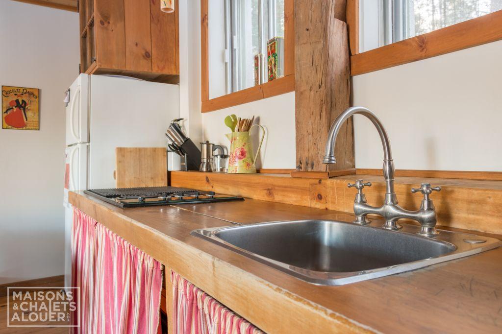 chalet ulverton chalet cantons de l 39 est estrie sous bois d ulverton. Black Bedroom Furniture Sets. Home Design Ideas
