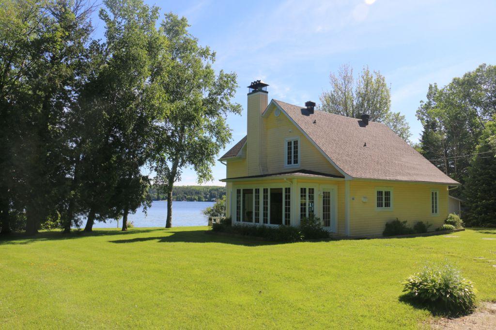 Lac aylmer maison a vendre proprietes etangs a for Acheter une maison au canada quebec
