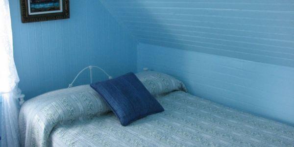 Troisième chambre avec lit 3/4 (48 pouces)