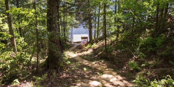 Accès à la rivière Sainte-Anne - Chalet Riverain