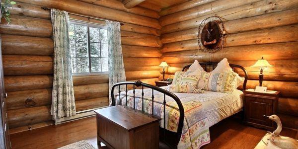 Chambre avec lit Queen - Chalet Raton-Laveur