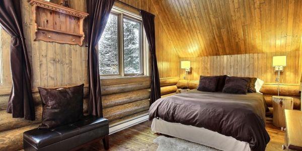 Chambre avec lit Queen - Chalet Abénaki