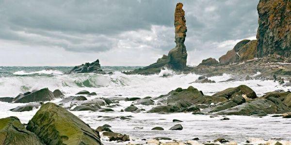 La tourelle et la mer déchainée! @ Kas Stone