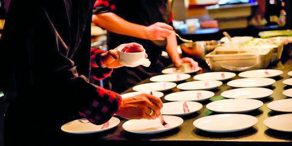 Service de repas en chalet
