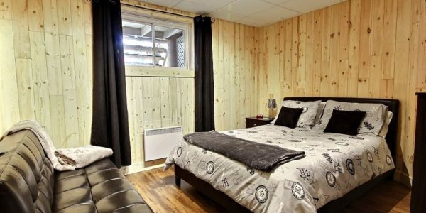 Chambre avec lit Queen - Chalet Aigle Royal