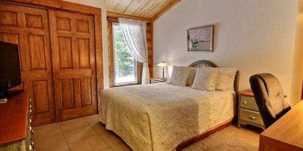 Chambre avec lit Queen - Chalet Bernache