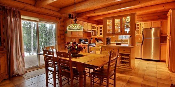 Salle à manger et cuisine - Chalet Wapitik
