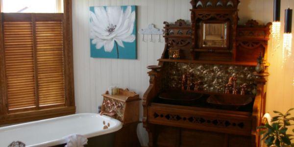 Salle de bain au rez-de-chaussée