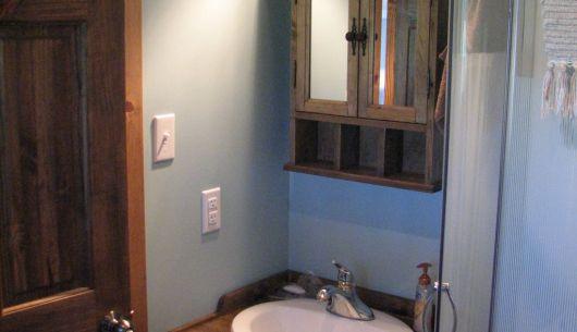 Chambre de bain avec douche