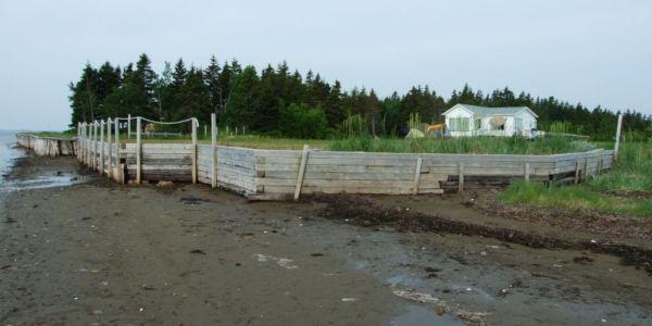 Situé à 160 pi du rivage, coté nord comme coté est, pour assurer encore plus d'intimité.