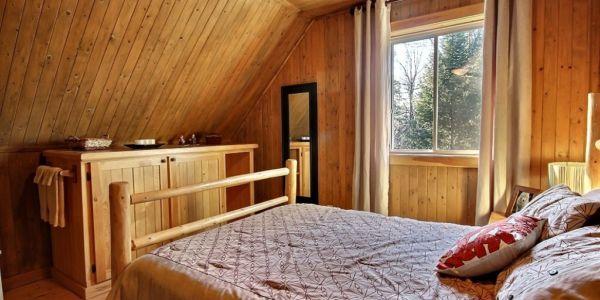 Chambre avec lit Queen - Chalet Loup Blanc