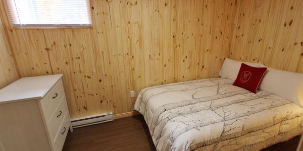 Chambre avec lit Queen - Chalet Aigle Noir