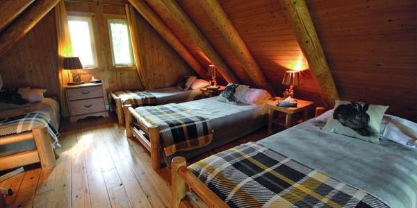 Dortoir avec 4 lits simples - Chalet Orignal