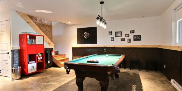 Table de billard au sous-sol - Chalet Calumet