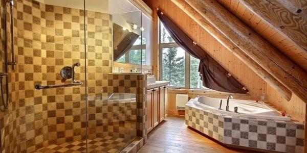 Salle de bain privé dans la chambre des maîtres - Chalet Castor