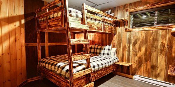 Chambre avec 2 lits Queen - Chalet Légende