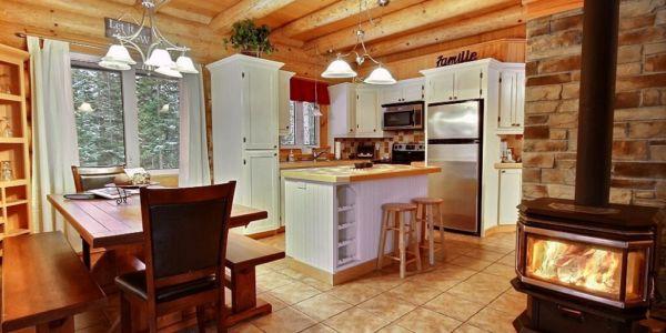 Cuisine et salle à manger - Chalet Aurore Boréale