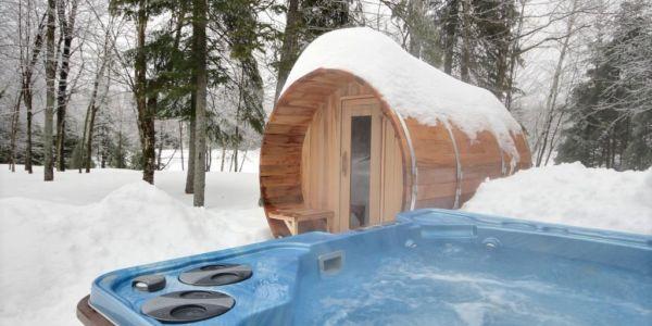 Spa privé et sauna fonctionnel à l'année - Chalet Huard