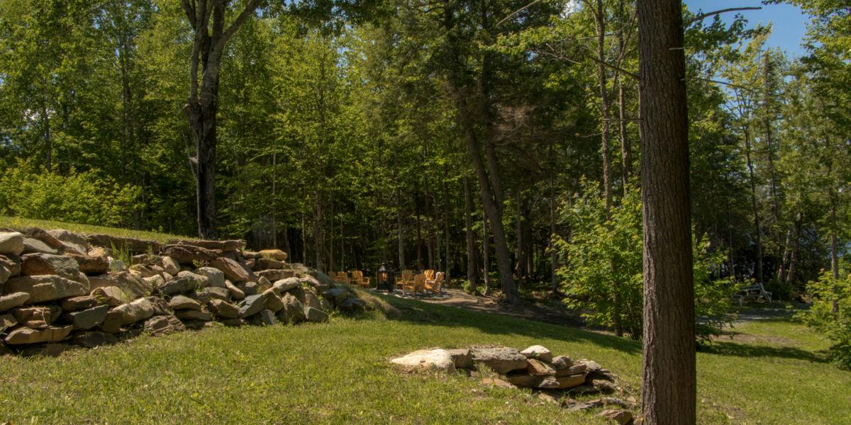 Chalet à louer Bernache Plage publique au Lac des Loutres - Au Chalet en Bois Rond